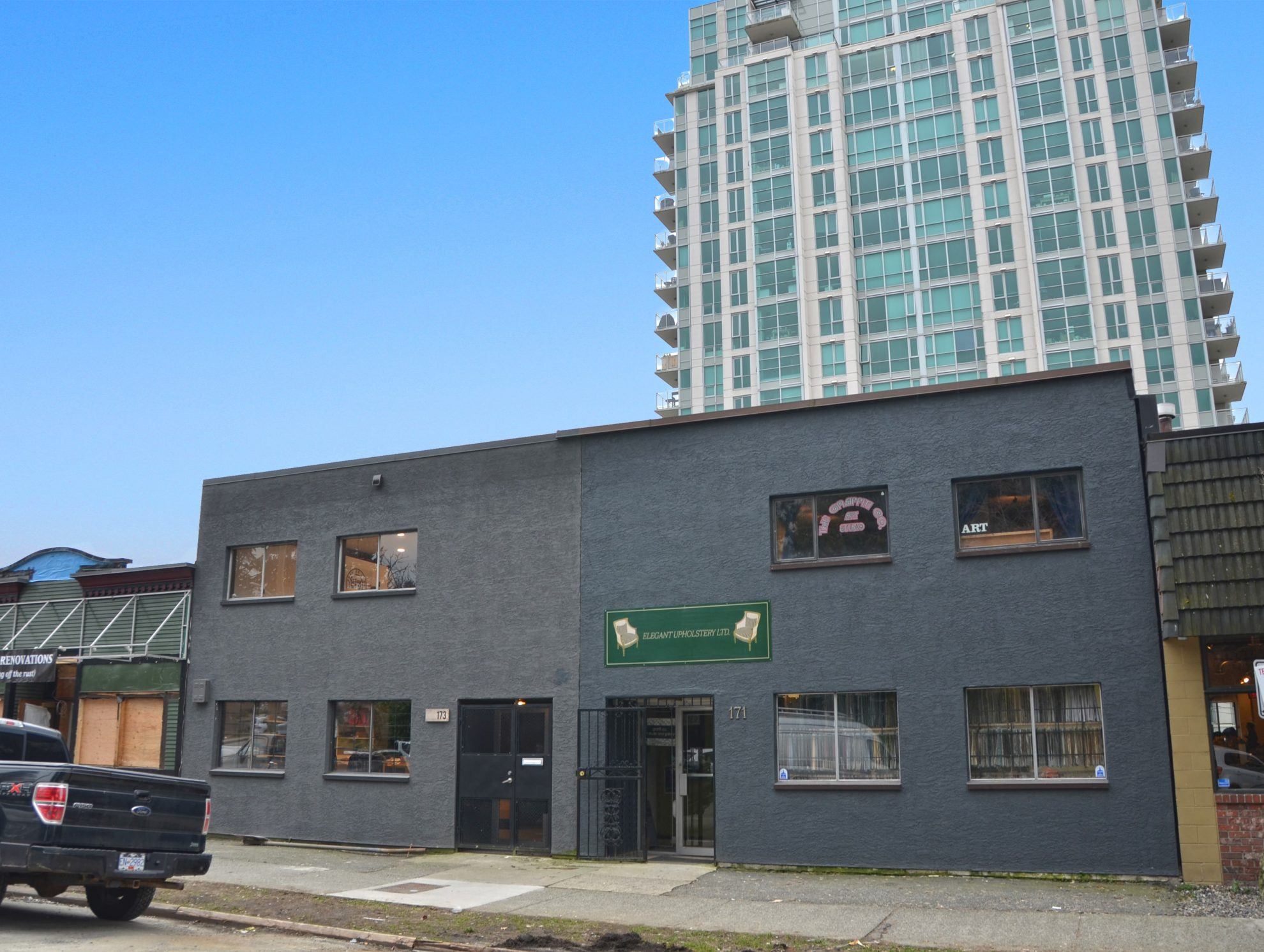 well located multi use building hq commercial